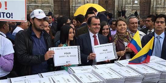 Con más de 1 millón de firmas demandarán acto legislativo para la paz