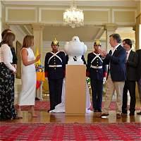 Fernando Botero dona escultura para