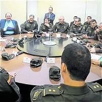Los generales le dan la 'bienvenida a la paz' en Colombia
