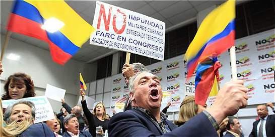 Uribismo celebra la victoria del No en el plebiscito