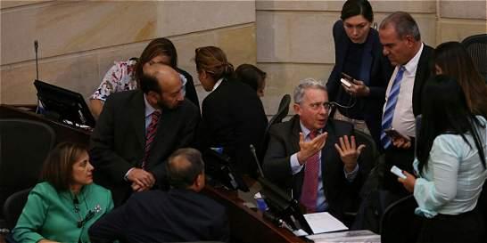Uribe propone 'amnistía' y 'protección' para integrantes de las Farc