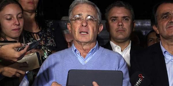 La llamada en la que Uribe le pide una reunión a Santos