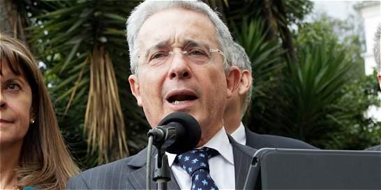 'Felicito el Nobel para el presidente Santos': Álvaro Uribe