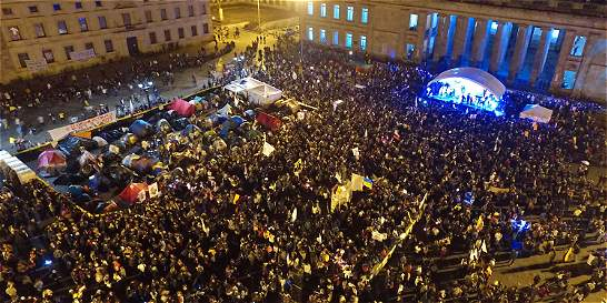Así suena la plaza de Bolívar, el epicentro de la paz en Colombia