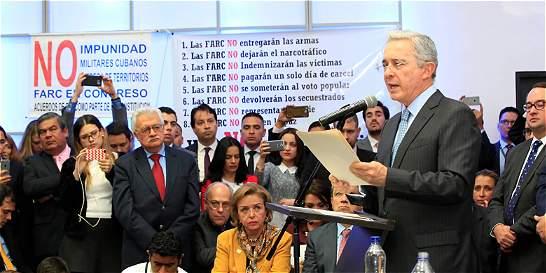 Uribe, el hombre que bloquea la paz: 'The New York Times'