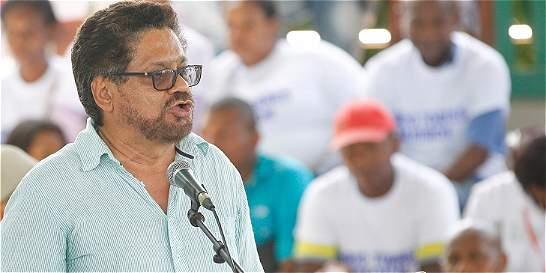 'Iván Márquez' pide a Uribe que permita a los colombianos hacer la paz