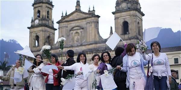'Colombia Pacífica' es el nombre de la tercera marcha por la paz que se realiza en Bogotá y otras ciudades del país.