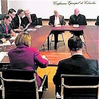 Uribe le pide a la Iglesia que medie para lograr pacto por la paz