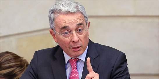 Por solicitud del uribismo, aplazan 'cónclave' por la paz en el Senado