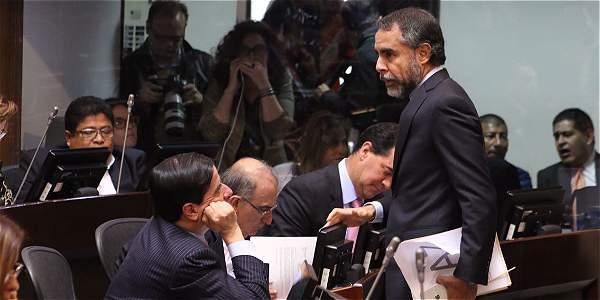 La sesión comenzó con la intervención de Humberto de la Calle y sergio Jaramillo, jefes del equipo negociador del Gobierno.