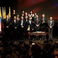 Delegaciones de Gobierno y Farc obtienen Premio Nacional de Paz 2016