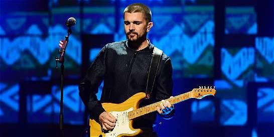 Juanes le cantó al Nobel de Paz