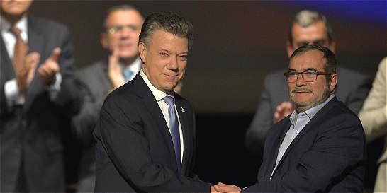 Santos y 'Timochenko': dos discursos clave que transformaron al país