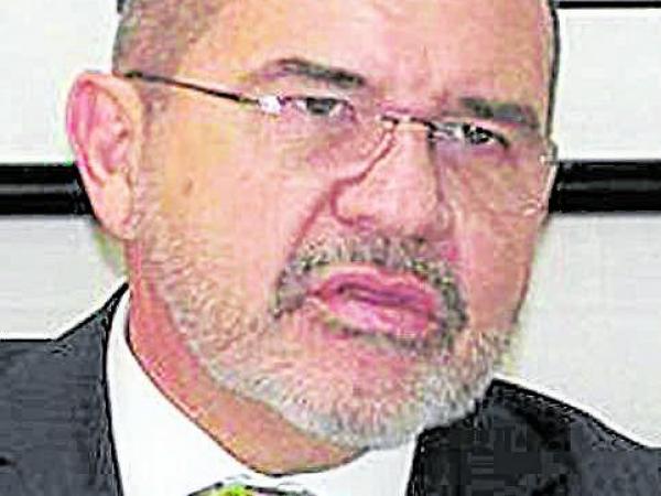 Carlos Ardila Ballesteros