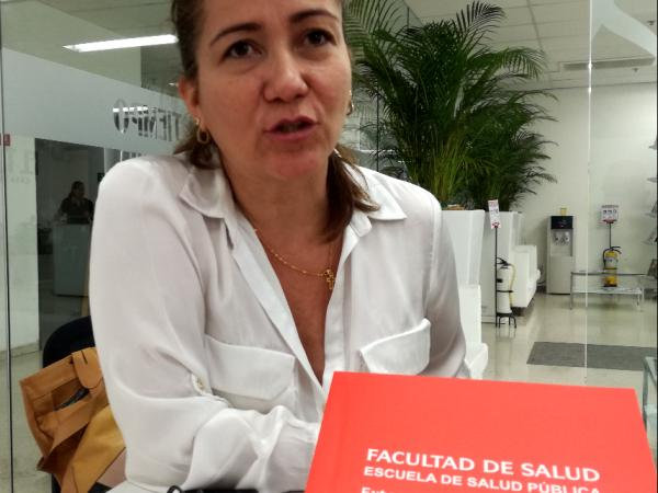 María Fernanda Tobar, coordinadora de la maestría de administración en salud y de la oficina de Extensión de la Facultad en Salud de Univalle
