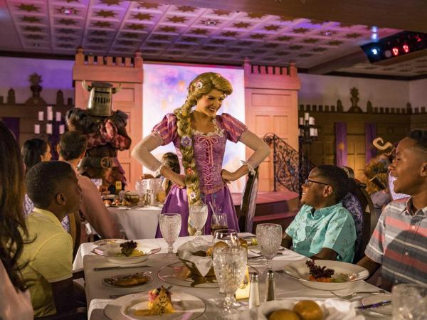 Restaurante Rapunzel del crucero Disney Magic