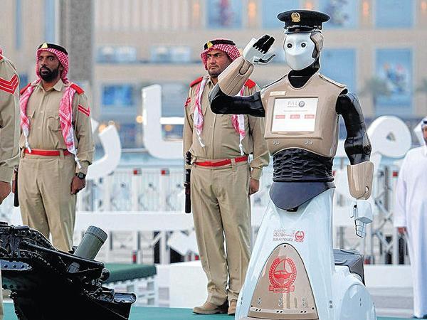 Policía robot en Dubai