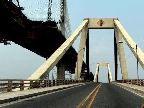 Puente Pumarejo antiguo y el nuevo