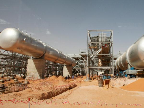 Oleoductos saudíes atacados por drones