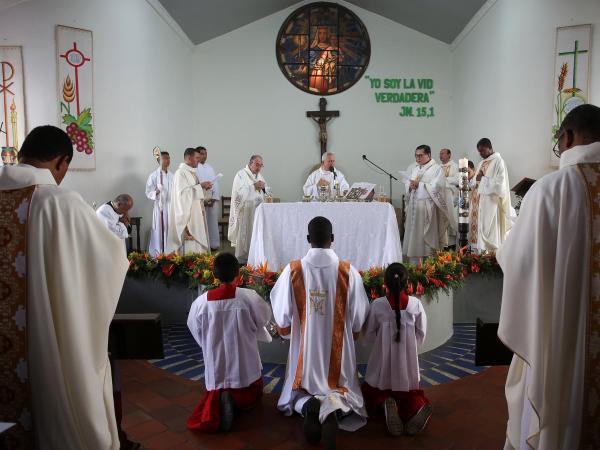 Acto de perdón a víctimas  de abusos sexuales por parte de la Iglesia