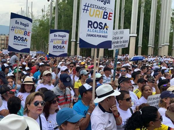 Respaldo a Uribe en Medellín