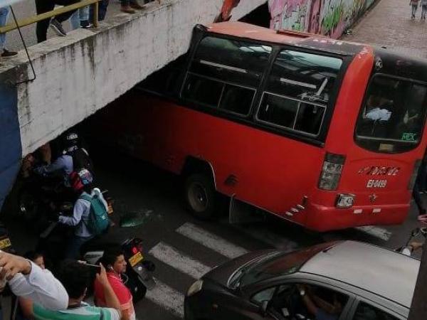 Accidente de bus en Ibagué