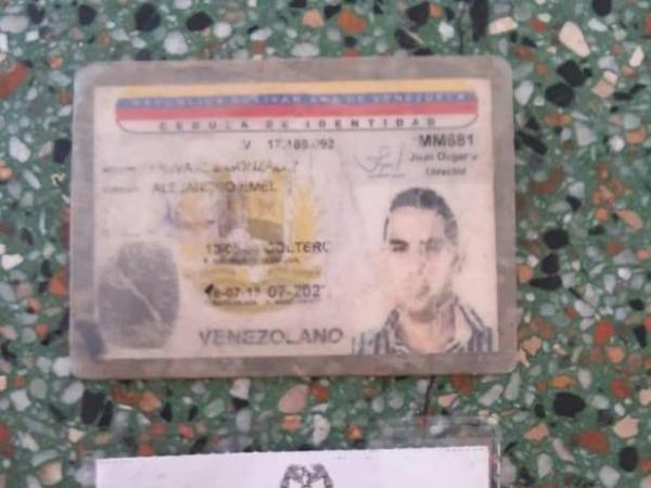 El espía venezolano Alejandro Olivares y sus papeles