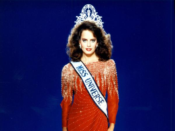 Cecilia Bolocco tuvo mal puntaje en Miss Sudamérica y un mes después fue Miss Universo.