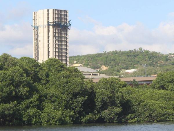 La polémica Torre de 'Aquarela' en Cartagena.
