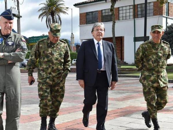 Carlos H Trujillo y la cúpula de las FF.MM