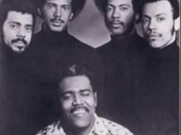 Hermanos Lebron en el disco Salsa y Control