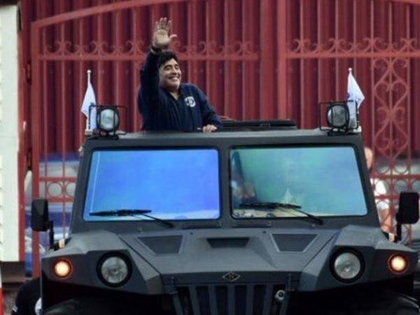 Carro Maradona 1