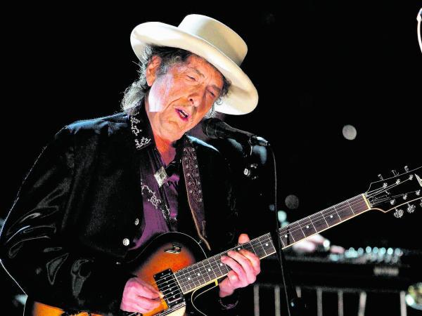 Bob Dylan tiene hasta el 10 de junio para recibir dinero del Nobel