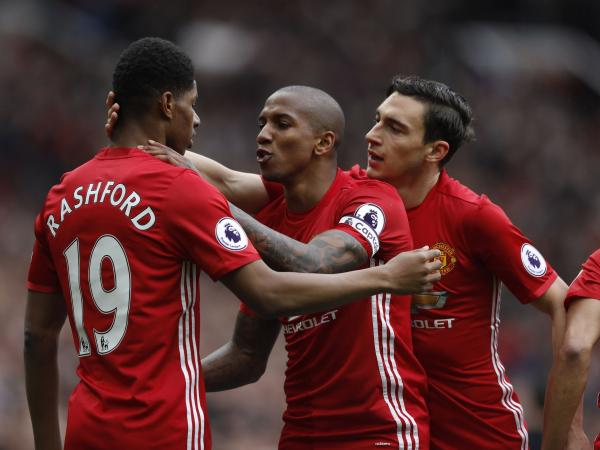 Acciones del juego entre Manchester United y Chelsea