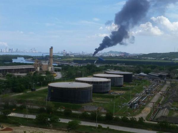 Grave incendio en zona industrial — Cartagena