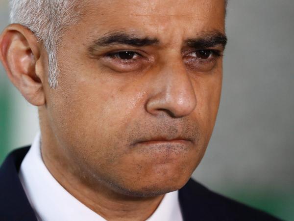 Trump rechaza visita a Reino Unido, ante protestas