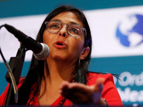 Maduro juramentó cinco nuevos ministros
