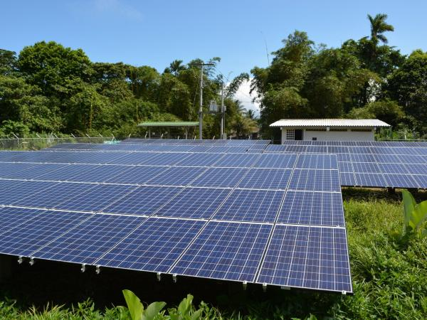 Proyecto de energía solar a zonas apartadas