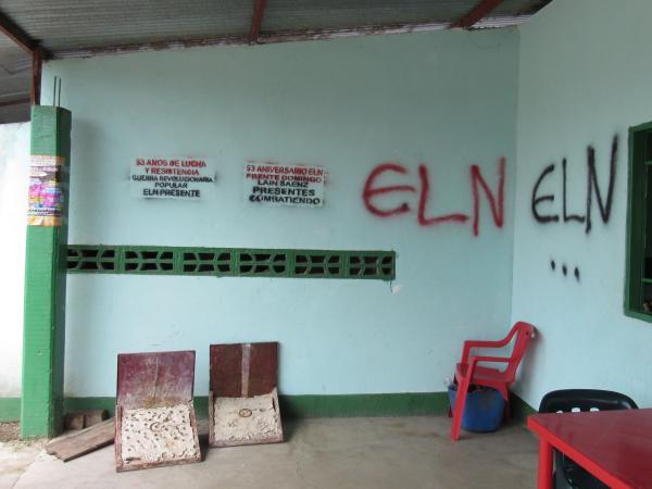 Este es uno de los grafitis que el Eln ha dejado en muchos lugares de Arauca.