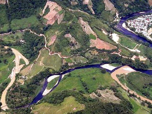 Atentado en el oleoducto Caño Limón-Coveñas