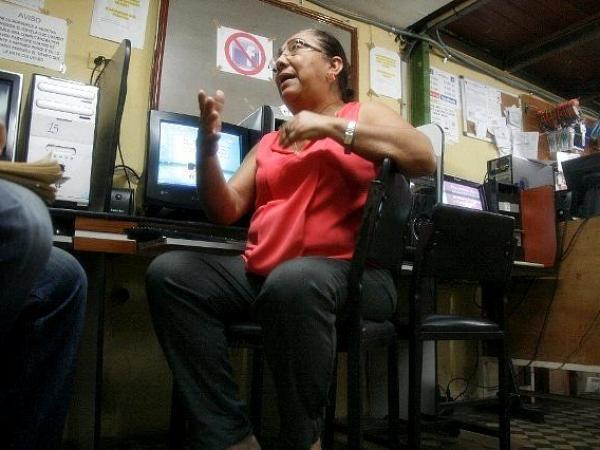 BBC Mundo: Deixi Tapia, del cyber centro (Foto: Alberto Matheus)