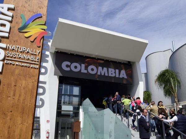 BBC Mundo: Stand de Colombia en feria de turismo en Italia.