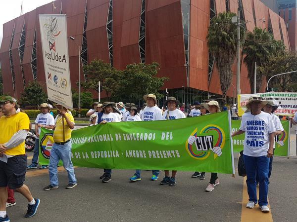 Marcha Día del Trabajo Medellín