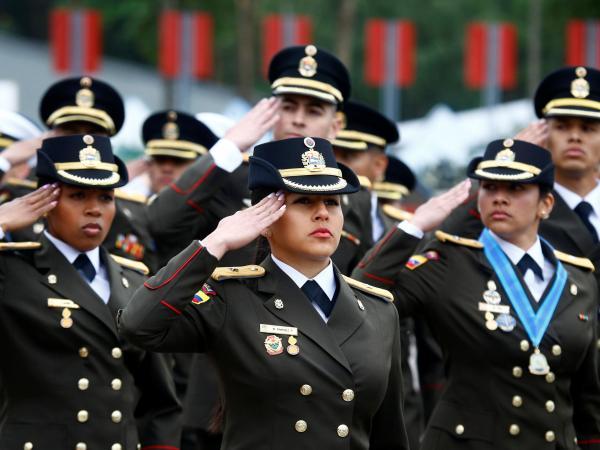 Oficiales venezolanos