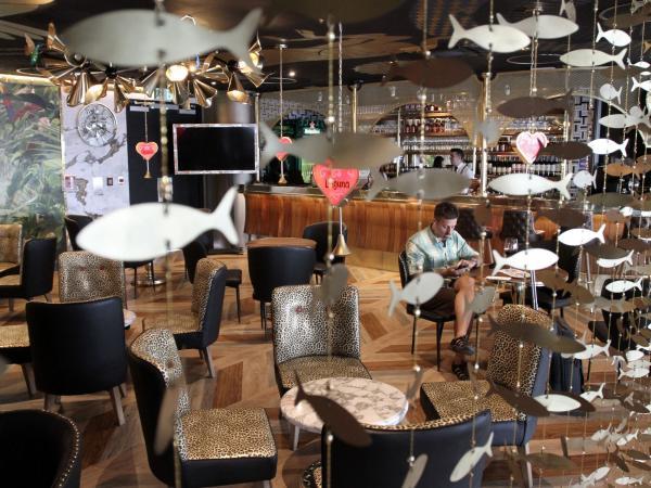 Dorado Lounge