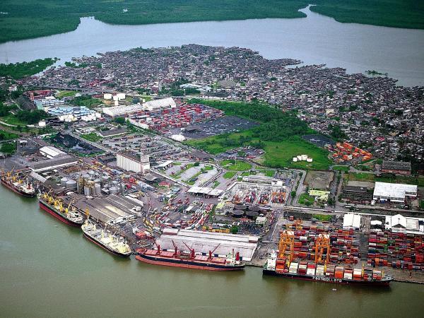 Buenaventura, principal puerto del Pacífico colombiano, pero sumido en la pobreza por malversación de recursos por mandatarios en la última década.