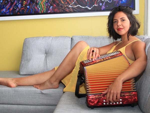 Diana Burco, cantante, acordeonera y compositora