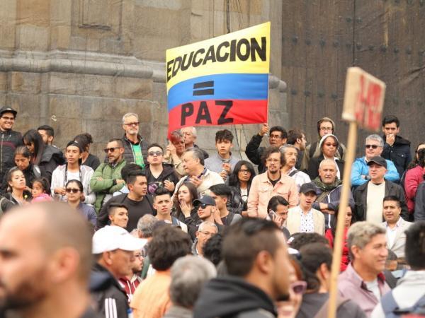Marcha en la plaza de Bolívar