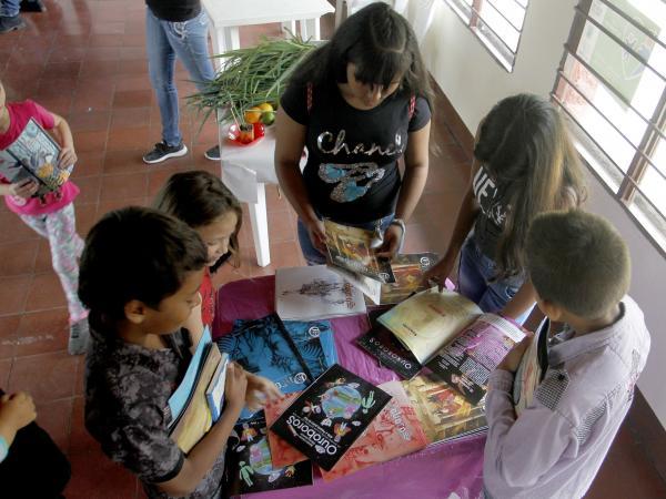 5bd0b16861e00 - Ouroboros lleva la magia de la lectura a zonas campesinas de Medellín