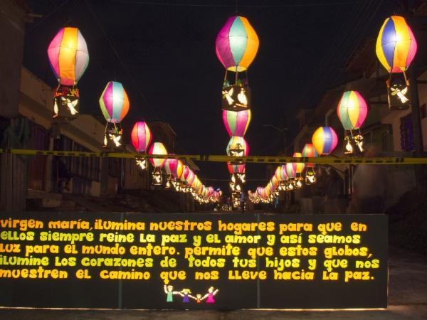 Festival de velas y faroles en Quimbaya